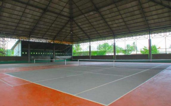 Fasilitas Lapangan Tennis di Tirta Sanita Spa Resort