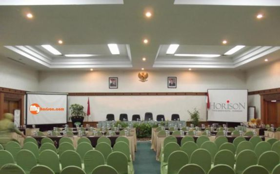 Meeting Room Hotel di Tirta Sanita Spa Resort