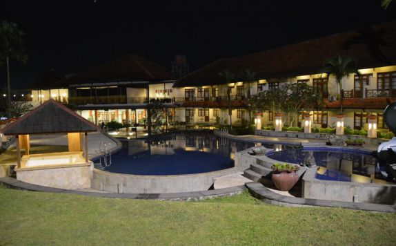 Outdoor Pool Hotel di Tirta Sanita Spa Resort