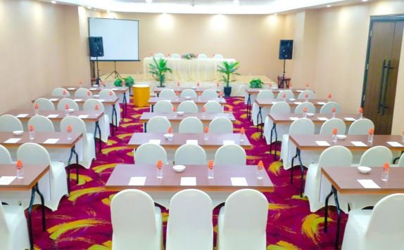 meeting room di Travellers Hotel Phinisi