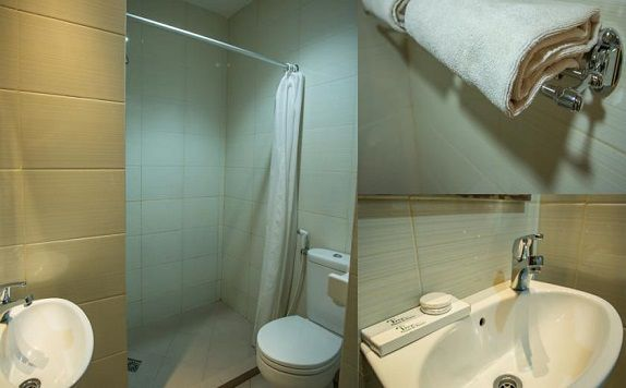 Bathroom di Tree Hotel Makassar