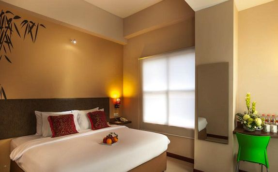 King Bed di Tree Hotel Makassar