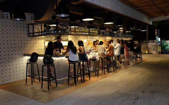 Bar di TS Suites Leisure Seminyak