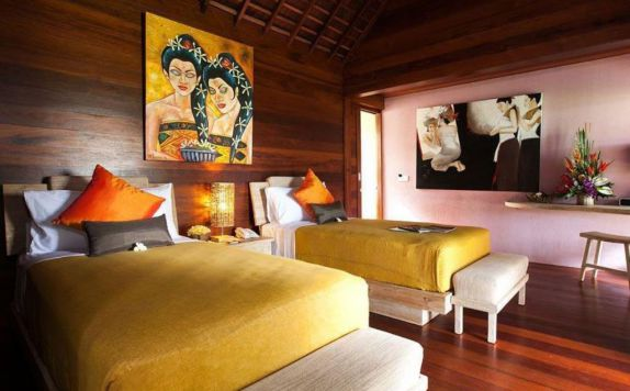 guest room twin bed di Ubud Padi Villas