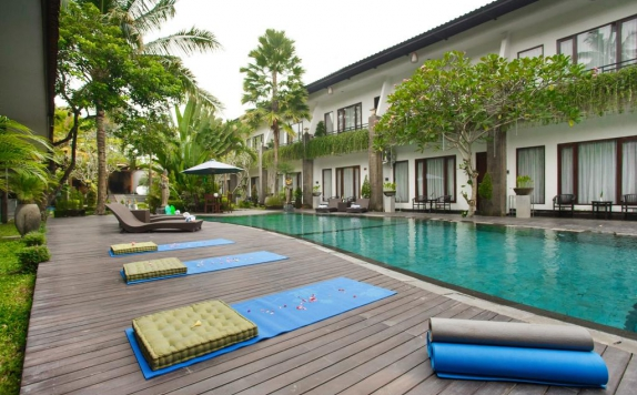 Swimming Pool di Ubud Raya Hotel