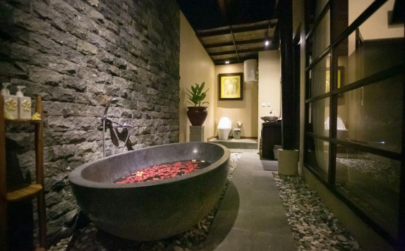 Bathroom di Ubud Raya Resort