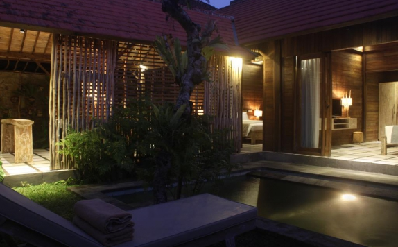 Outdoor Pool Hotel di Umaya Villa