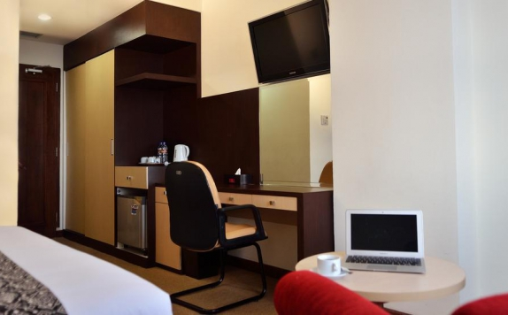 Interior Bedroom di UNY Hotel