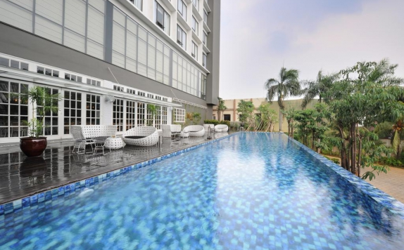 Swimming pool di Veranda Hotel @Pakubuwono