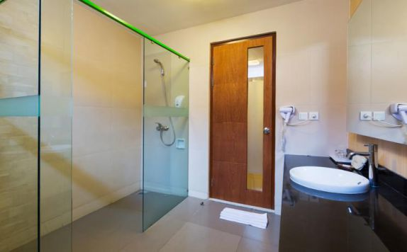bathroom di Vihan Suites