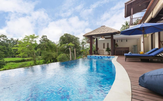 Swimming Pool di Villa Atap Padi by Nagisa Bali