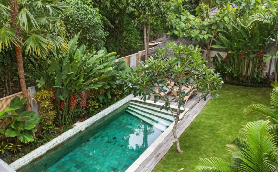 Swimming Pool di Villa Liang