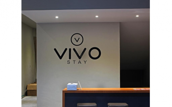 Receptionist di Vivo Stay Medan