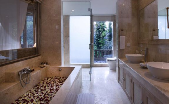Bathroom di Wapa di Ume Resort & Spa