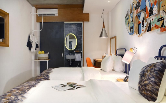 Guest Room di YATS Colony Hotel