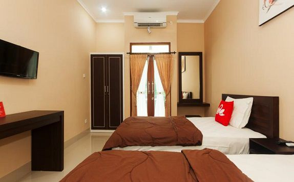 Twin Bed di ZEN Rooms Bukit Jimbaran Buana