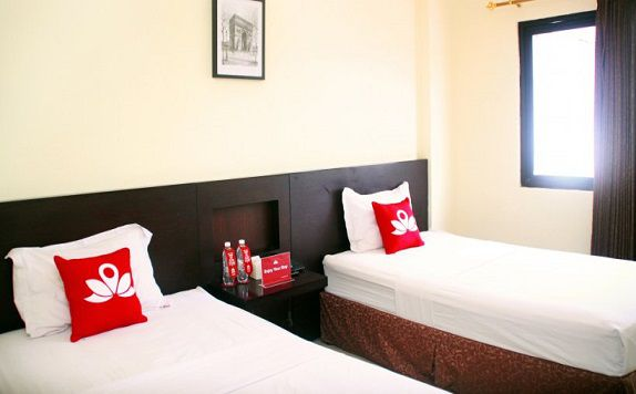 Twin Room di ZEN Rooms Gubeng Kertajaya